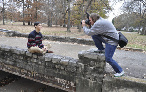 Oster holds an outdoor photo shoot for junior Sarmad Kako (courtesy of Molly Oster)