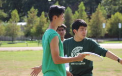 Revival of ultimate frisbee club sport led by several seniors