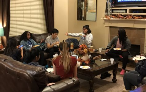 E-Board celebrates Friendsgiving