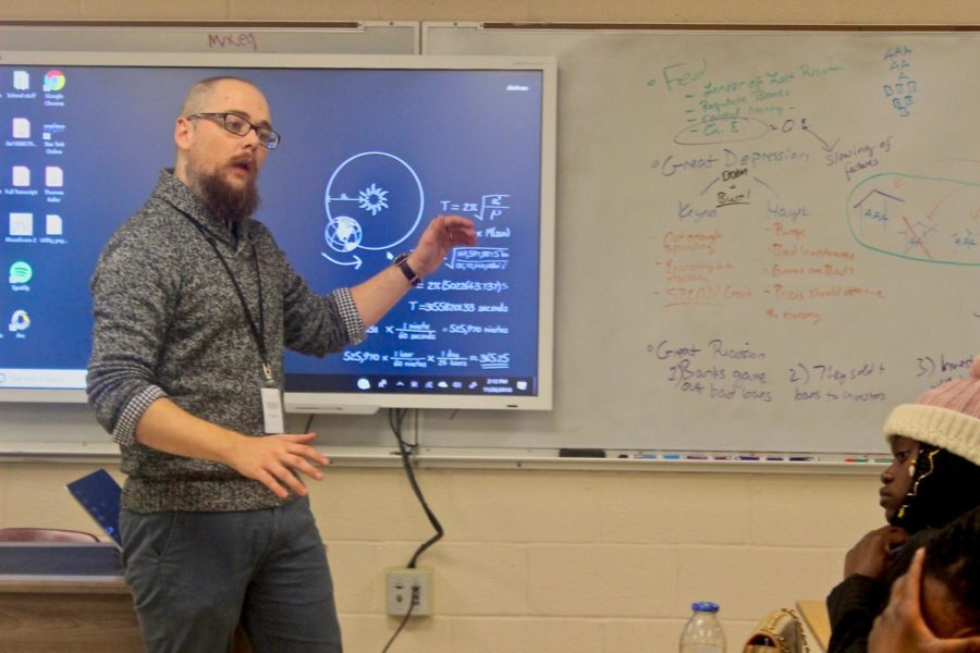 New+personal+finance+teacher%2C+Mr.Trowbridge%2C+enlightens+students+with+real-world+skills+based+on+his+experiences.+%0A