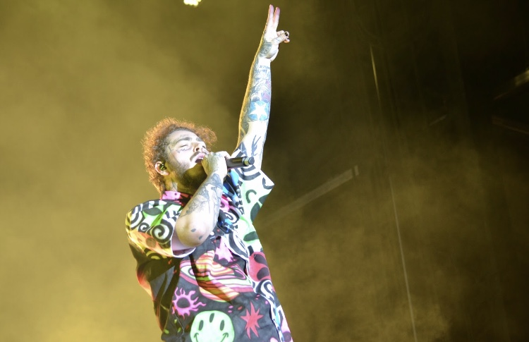 Post+Malone+brings+the+energy+as+he+performs+at+the+Mempho+Music+Festival.+The+event%2C+held+on+Oct.+6+and+7%2C+has+seen+tremendous+growth+since+its+debut+last+year.+