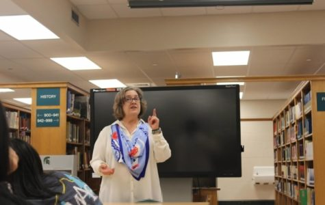 Dr. Stephanie Poplos, a critical care pediatrician who works in the Memphis area, spoke to WSHS students after school about different types of medical professions.