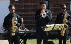 Jazz Combo Players Perform for First Responders