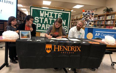 Kannady signs to Hendrix swim team