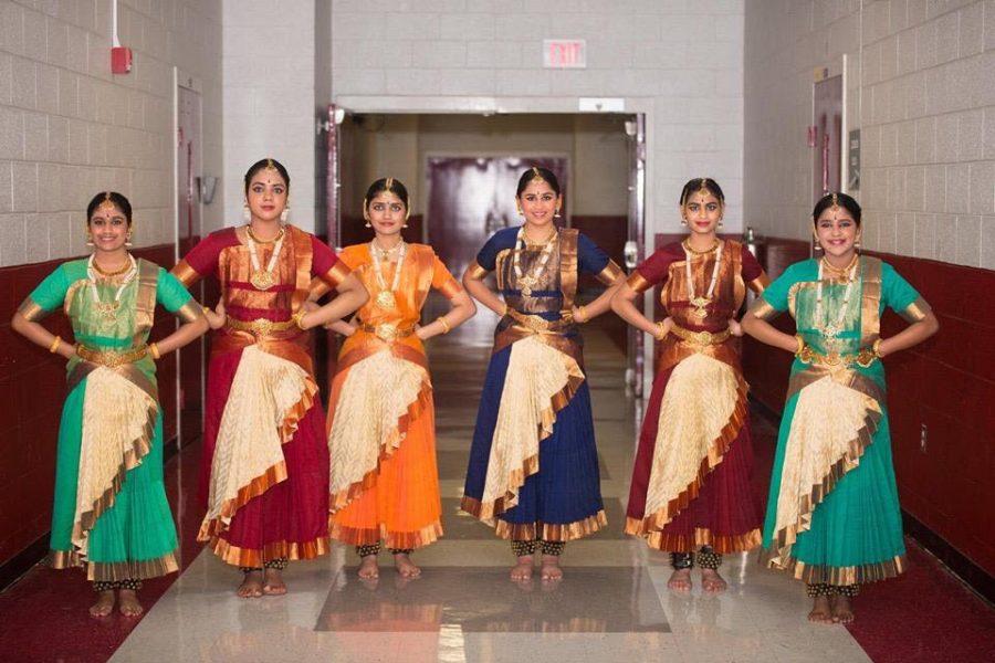Tanya+Prahalathan+%2810%29%2C+Shivani+Menon%2C+Minnu+Reddivari+%2810%29%2C+Elina+Salian+%2810%29%2C+Sharika+Sivakumar%2C+and+Arya+Rajesh+%289%29+pose+at+an+event+for+the+Tamil+Association.+These+Bharatanatyam+dancers+meet+for+practice+once+a+week+and+perform+together+several+times+a+year.+%0A