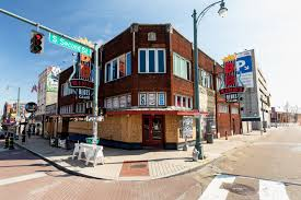 Beale Street, which was once full of life and activity, has been silenced since the virus entered the city in March. Places like this have been at the disposal of Memphians for a long time, but now that the option is taken away, we crave them even more than before.